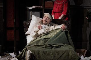 Richard Burkhard as Gianni Schicchi. Photo Robert Workman