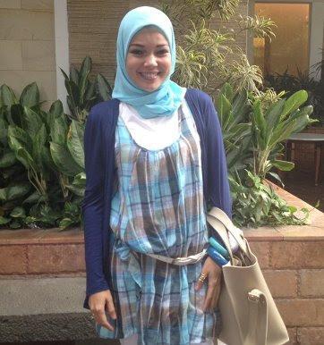 Dewi Sandra Berhijab