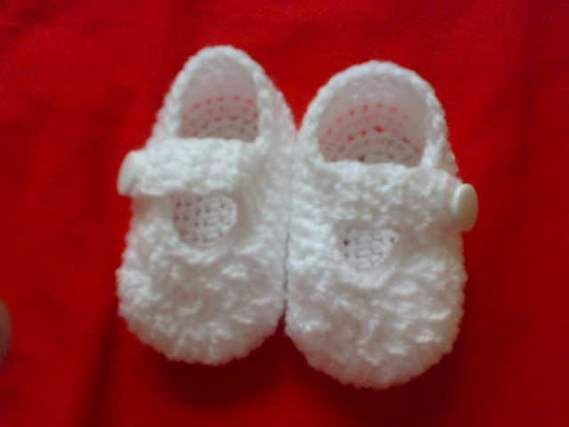Simple Crochet Pattern For Baby Booties : Everything`s Crochet: simple baby booties