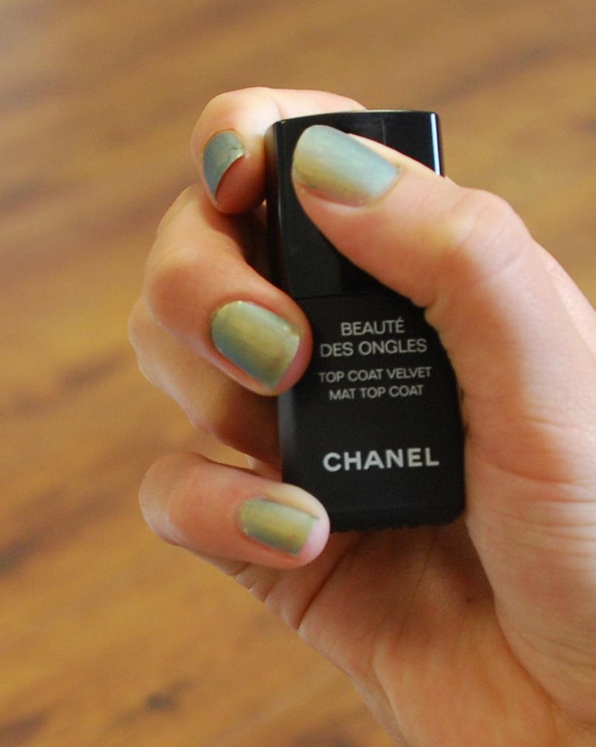 Chanel Mat Top Coat | Pixiwoo.com