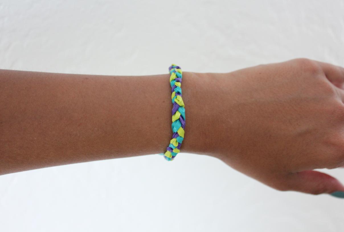 bracelet on wrist - photo #1