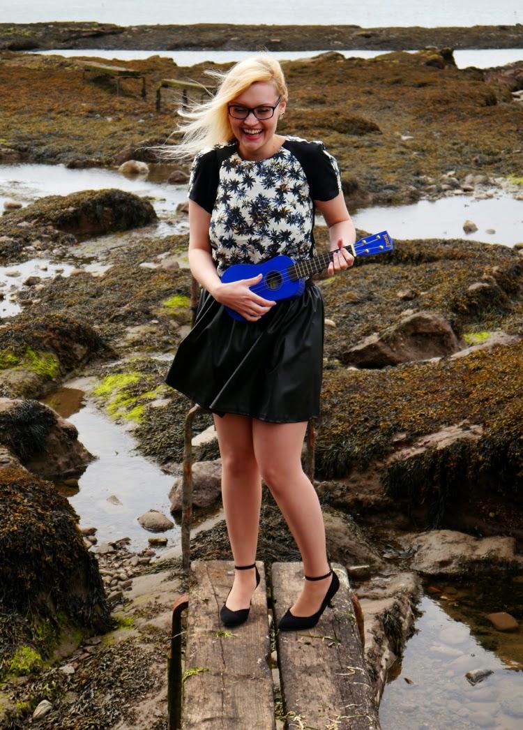 hawaii, Scotland, Arbroath, palm trees, ukelele, beach, fashion shoot, incredible backdrop, photoshoot, wasteland