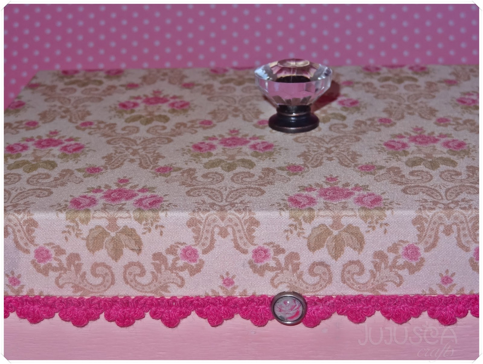 Jujusca Crafts: Caixa em madeira tecido e pés de metal #A52662 1600x1206