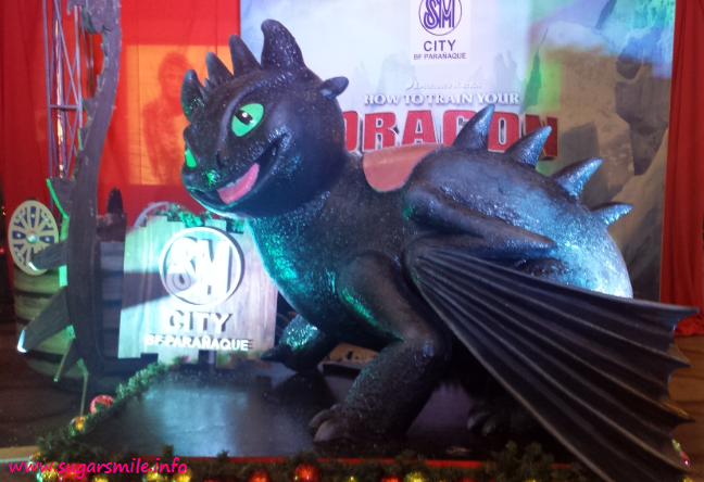 kids and kids at heart will enjoy a toothless christmas at sm bf paranaque as an epic adventure unfolds with a holiday how to train your dragon - How To Train Your Dragon Christmas
