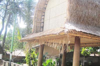 Ilustrasi Mengenal Rumah Adat Khas Sasak di Desa Sade Lombok - Travelwan