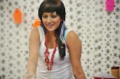 Hari priya hot Photos from Galata-thumbnail-13