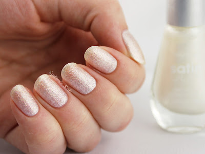 Sally Hansen Satin Glam Crystalline