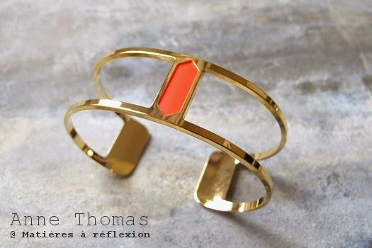 Bracelet Anne Thomas rouge fluo hexagonal