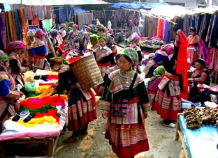 Beauty of Muong Hum market
