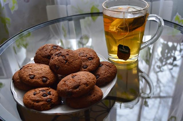 Cookies. Biscuits. Tea. Green Tea. Ahmad tea. Chocolate