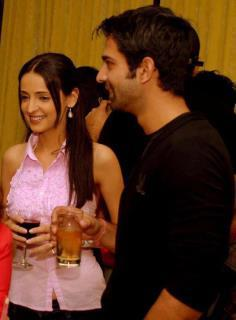 Arnav Singh Raizada (Barun Sobti) latest Images With Khushi