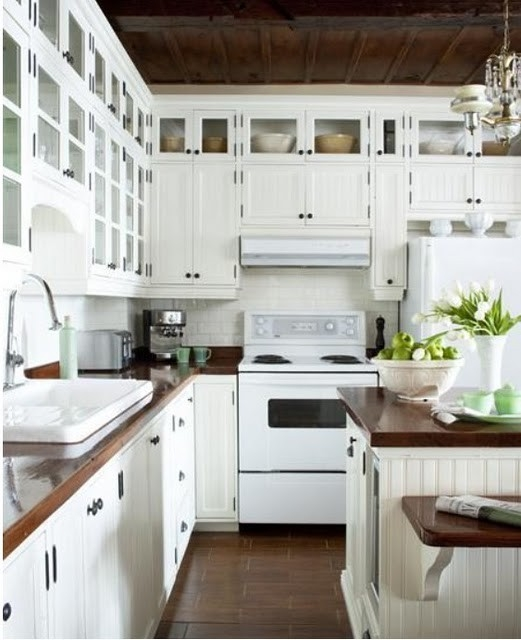 Kitchen revamp advice i 39 m a lazy mom Revamp old kitchen cabinets