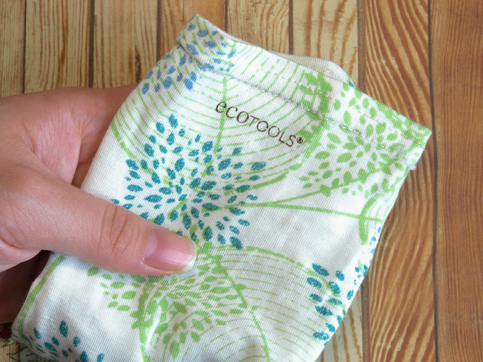 EcoTools Spa Moisture Socks review
