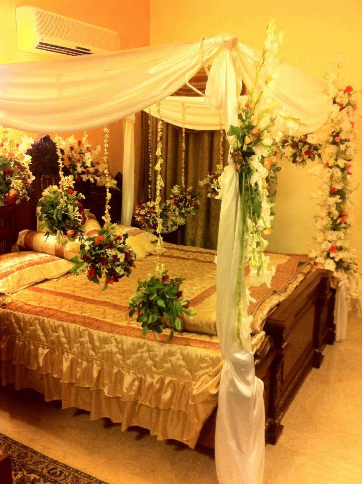 All about of new fashion celebrities wedding bed decoration for Wedding room decoration ideas