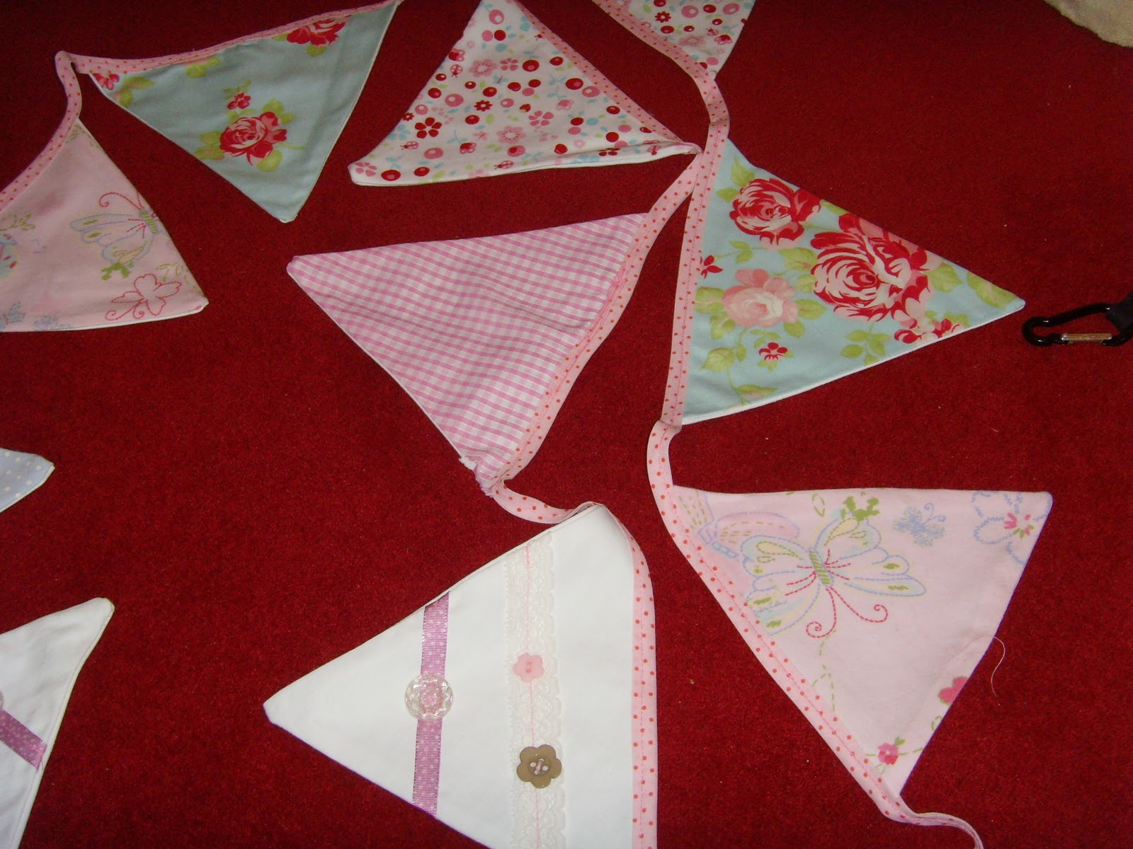 A Great Way To Re Use Baby Clothes How To Make Bunting Mumstop