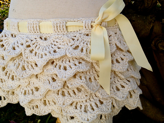 Crochet Free Pattern Skirt : tangled happy: White Russian Skirt