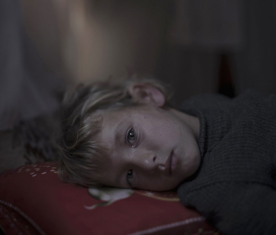 Photographer Reveals The Heartbreaking Places Syrian Refugee Children Sleep - Walaa, 5 years old, Dar-El-Ias Read