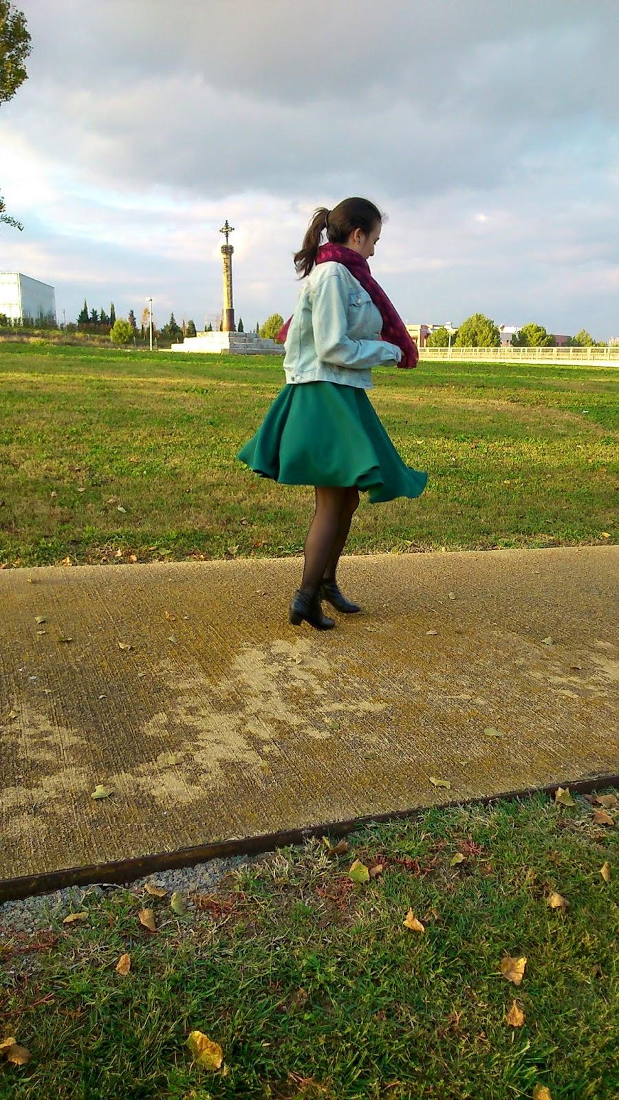 modistilla de pacotilla rums falda de vuelo punto verde