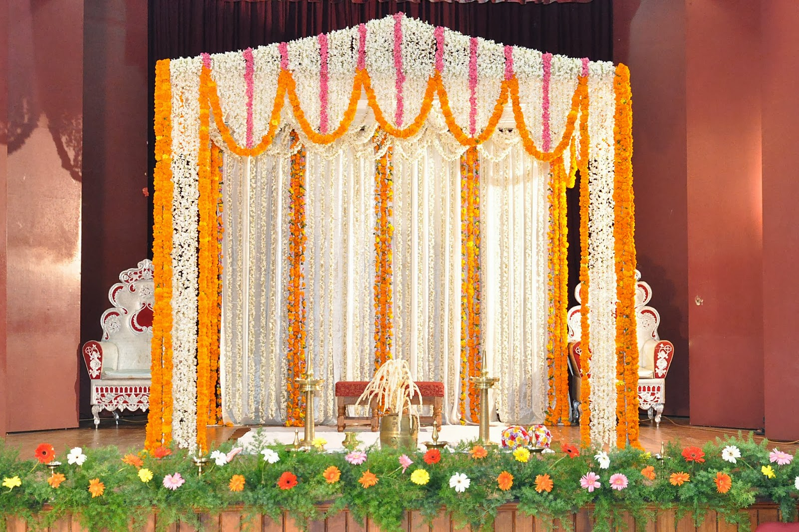 Jana poojitha services flower decoration images 001 for Home decoration images