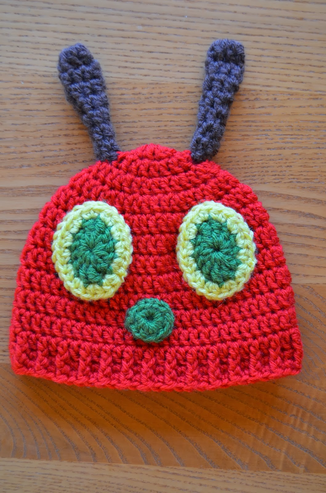 Hand Me Down Hobby: Hungry Caterpillar Baby Hat