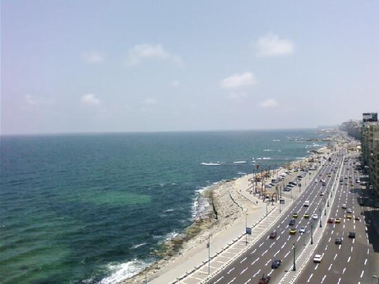 الإسكندريــة مدبنة السحر والجمال View-of-sea-from-9th