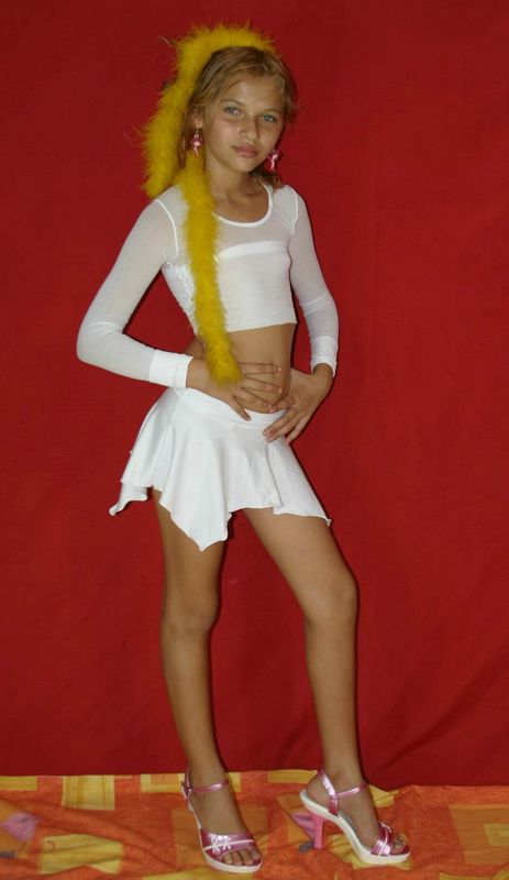 Chelda Skye Model Custom Sets