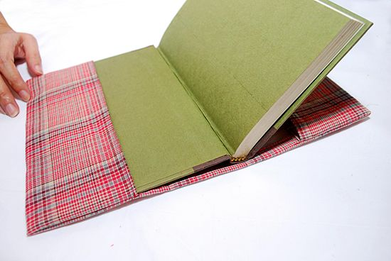 Fabric Book Covers Target : Tutos en la web como forrar un libro con tela