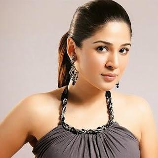Pak Celebrity Gossip: Ayesha Omer Hot Pics, Biography and