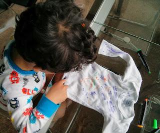 Personalised babygrow with Graffiti Fabric Pens