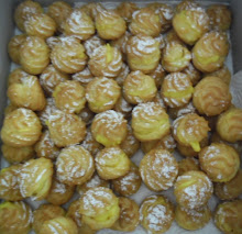 Cream Puff with Custard Filling