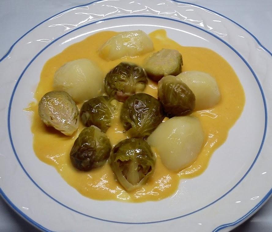 Coles de Bruselas y Patatas con Crema de Verduras