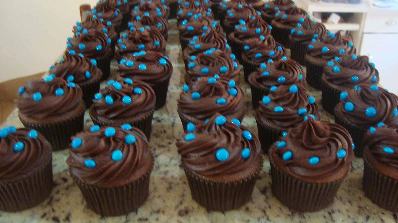 Cupcakes Deliciosos Cupcakes Azul E Marrom