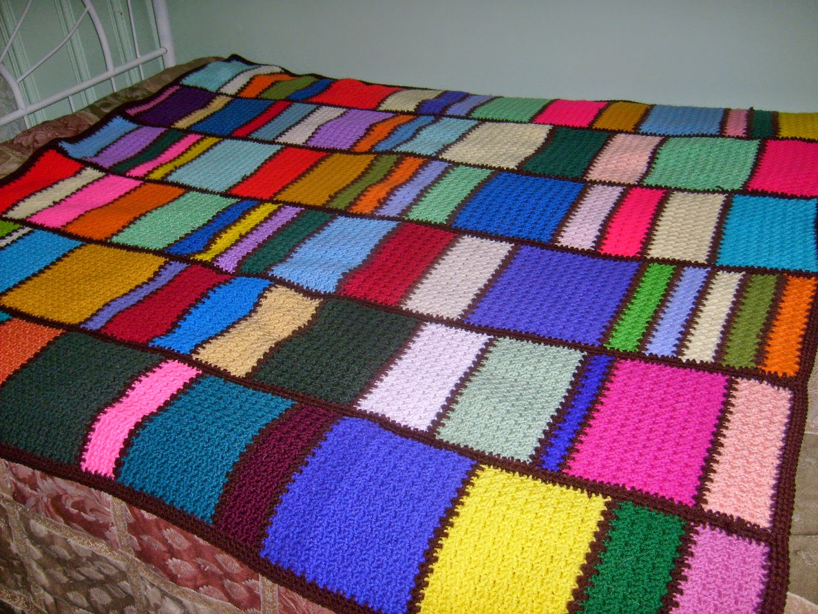 Manners Crochet and Craft: Meemaws Scrap Afghan