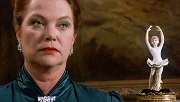 flowers in the attic 1987 louise fletcher