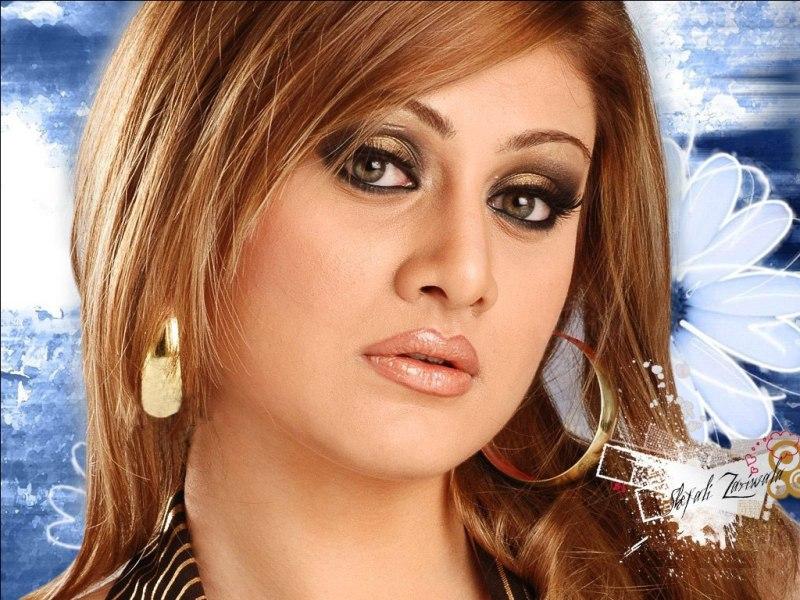 actress shefali zariwala wallpapers pics shefali zariwala images