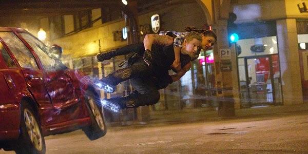Channing Tatum e Mila Kunis em O DESTINO DE JÚPITER (Jupiter Ascending)