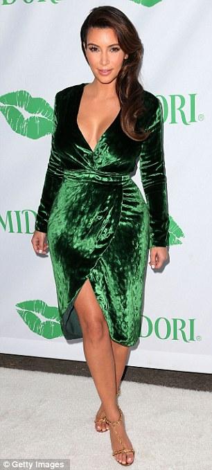 Outfit vestido verde casual