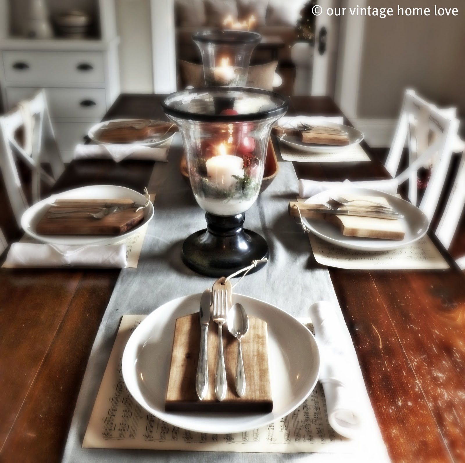 Vintage Home Love: Christmas Table Decor Ideas