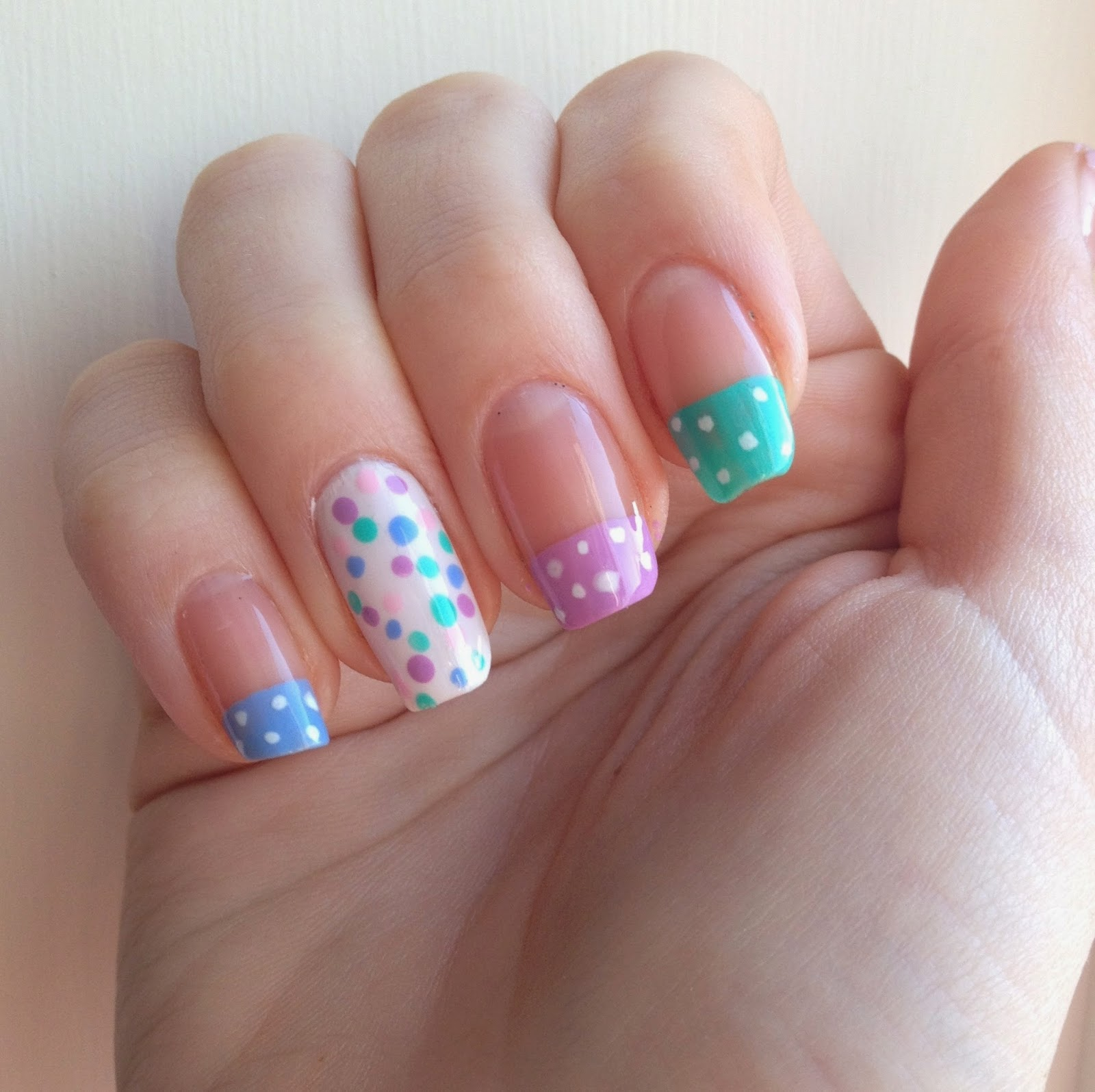 easter-nails-polka-dot
