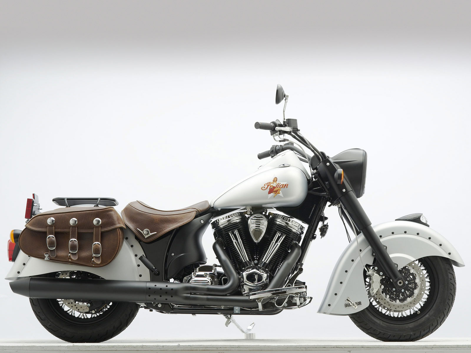 Indian Chief Motorcycle: INDIAN Motorcycle. 2010 Chief Bomber LE Desktop Wallpapers