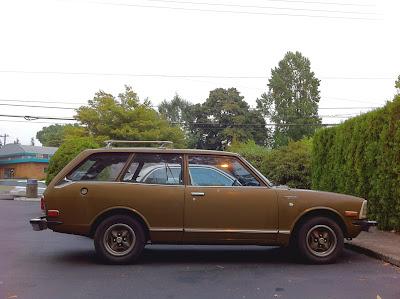 1973 Toyota Corolla 1600 Deluxe 2-door wagon.