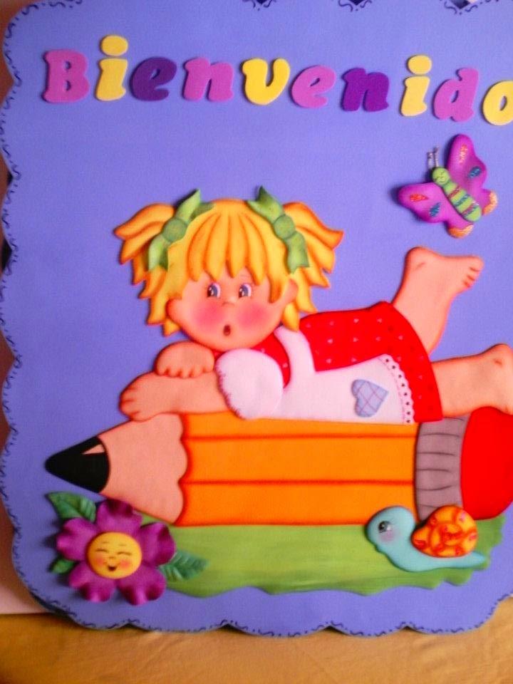 Manualidades escolares para decorar bienvenidos a clases for Decoracion para puertas de preescolar