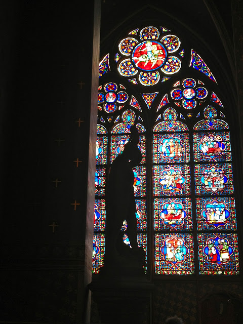 paris_window_notre_dame_stained_glass_blog