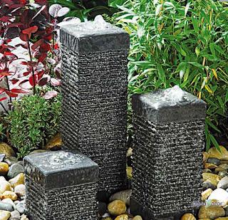 Fuente de Columnas Cuadradas Acantonadas de Granito