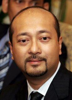 http://4.bp.blogspot.com/-UiAWQhGVr38/T3lOp82uEUI/AAAAAAAARbc/UPQP9wpEEMI/s1600/Mukhriz+Mahathir.jpg