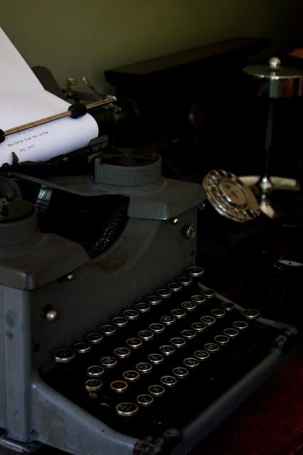 1930s typewriter