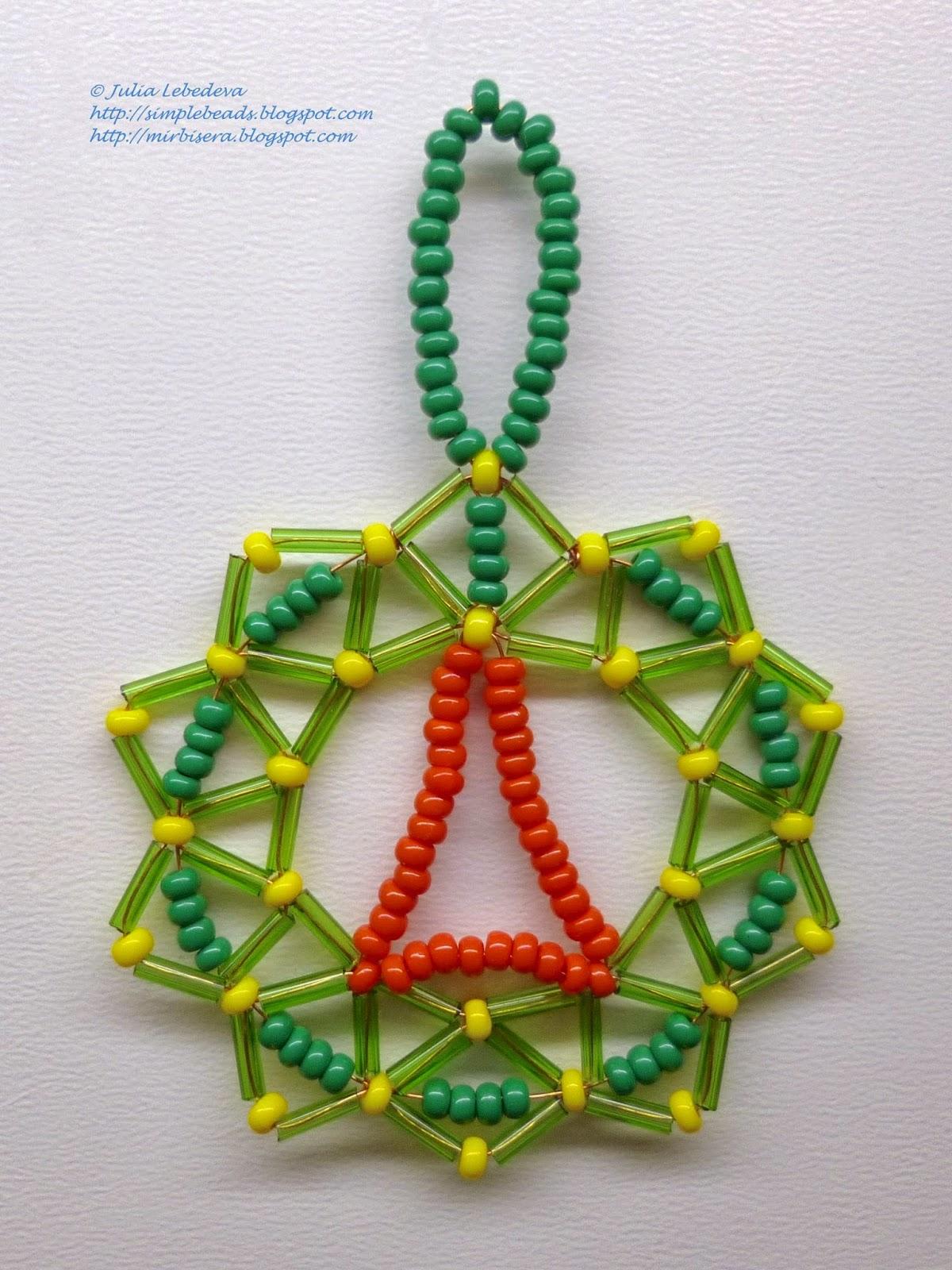Новогоднее украшение из бисера - маленький венок
