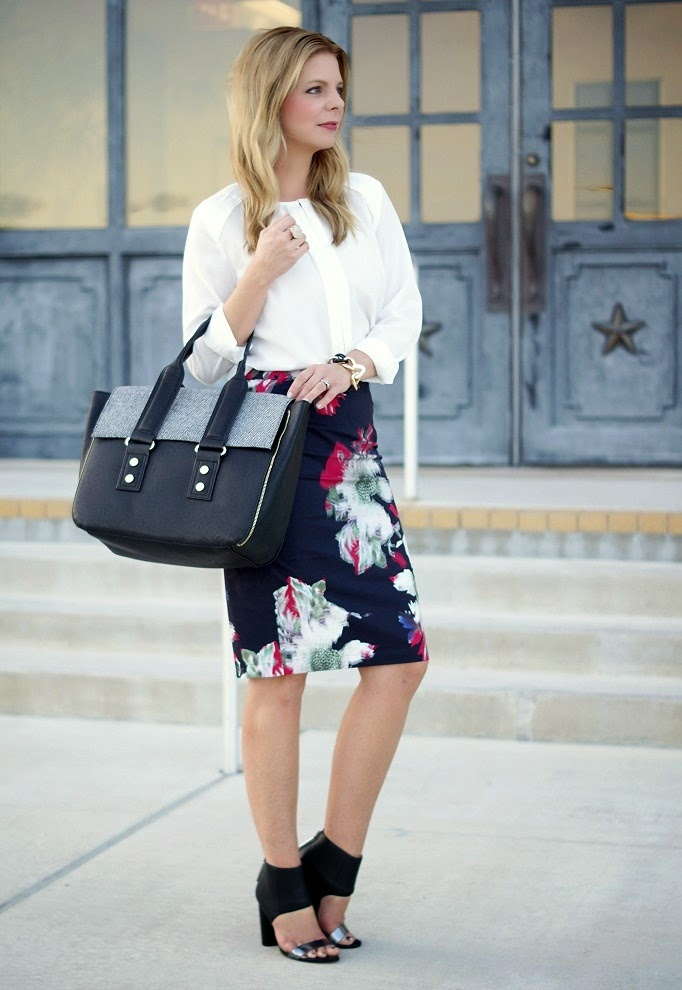 Floral Pencil Skirt Outfit Idea for Work