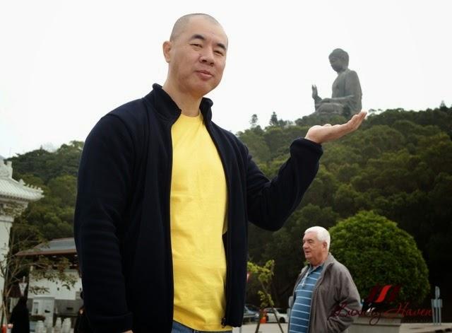 tourist attraction ngong ping tian tan buddha