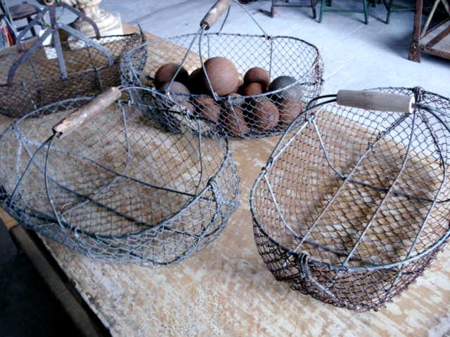 french wire mushroom basket